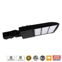 CDL_Lampes_LED_DEL_lighting_eclairage-de-stationnement